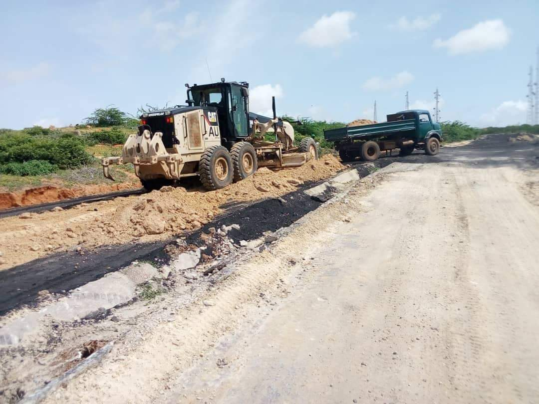 Poor roads in Barawe, Somalia under construction (PHOTO/Courtesy)