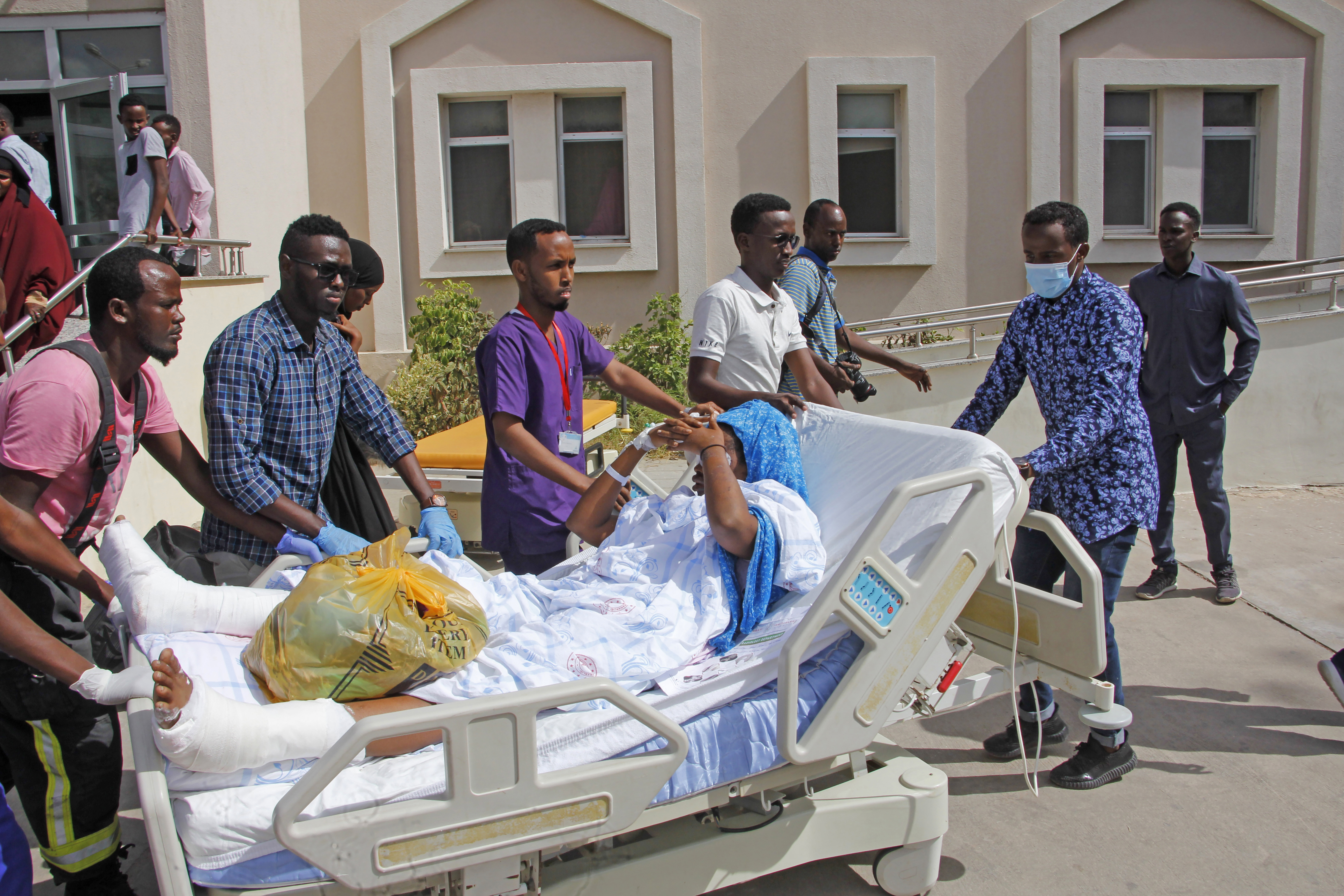 Wounded Victims of Somali Truck Bomb Attack Airlifted to Turkey