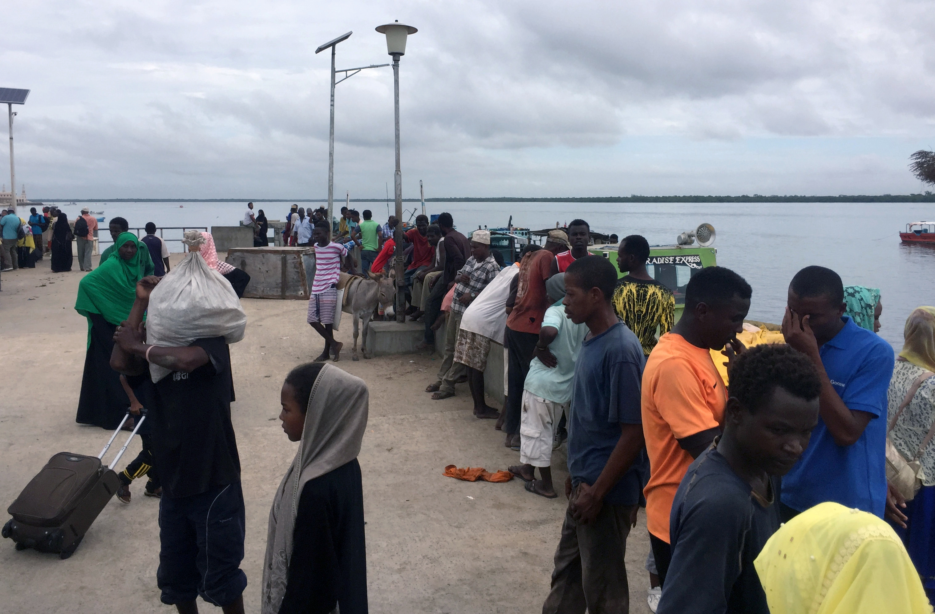 Kenyan Civilians Flee Manda Bay Area After al-Shabab Attack
