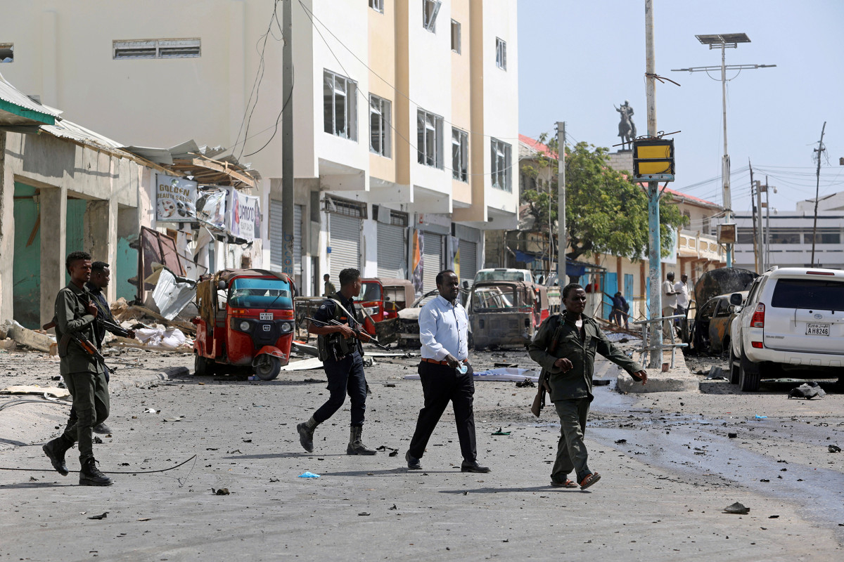 Blast rocks Somalian Eid festival, killing 5 and injuring 20