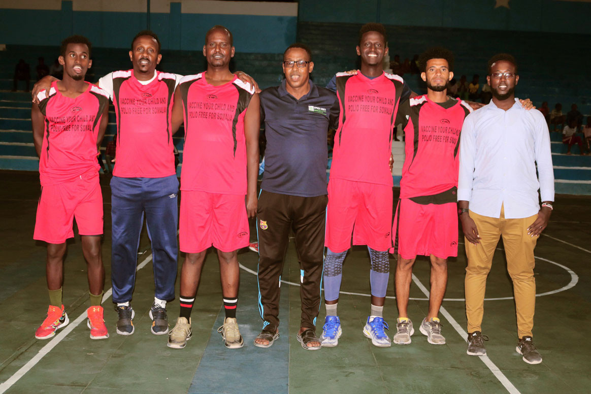 Abdullahi Mahamed Noor is president of the Somali Basketball Federation, and a dedicated polio programme zonal officer. ©WHO/Somalia