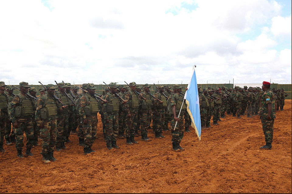 Somali soldiers graduate from UK-led training course