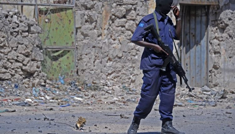 Police Kills 70 year old Shopkeeper in Dispute Over Torn Money in Mogadishu