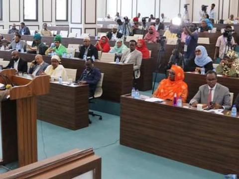 Somalia parliament grants women almost one-third of seats