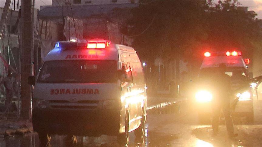 Bomb blast kills 2, wounds 6 in Somalia