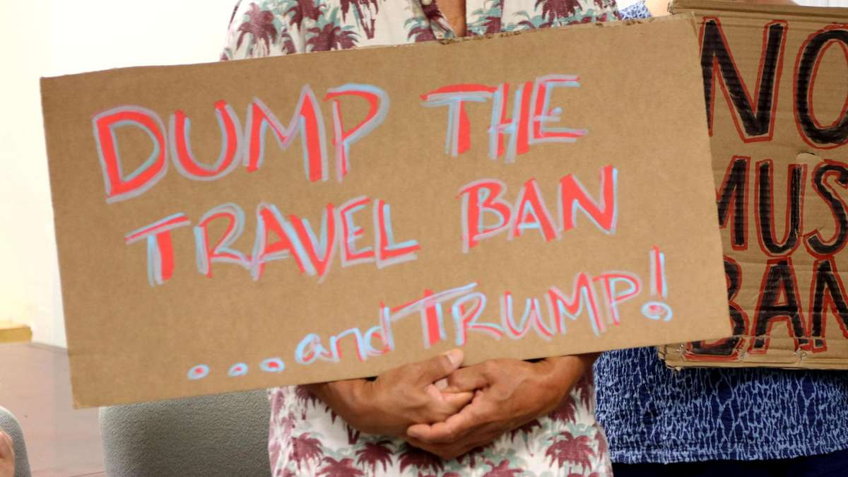 White House considering expansion of travel ban