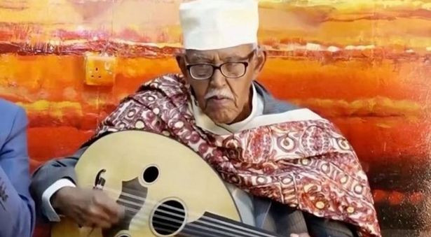 Ahmed Ismail Hussein, also known as Hudeydi, was a famous Somali musician who died in London after contracting coronavirus